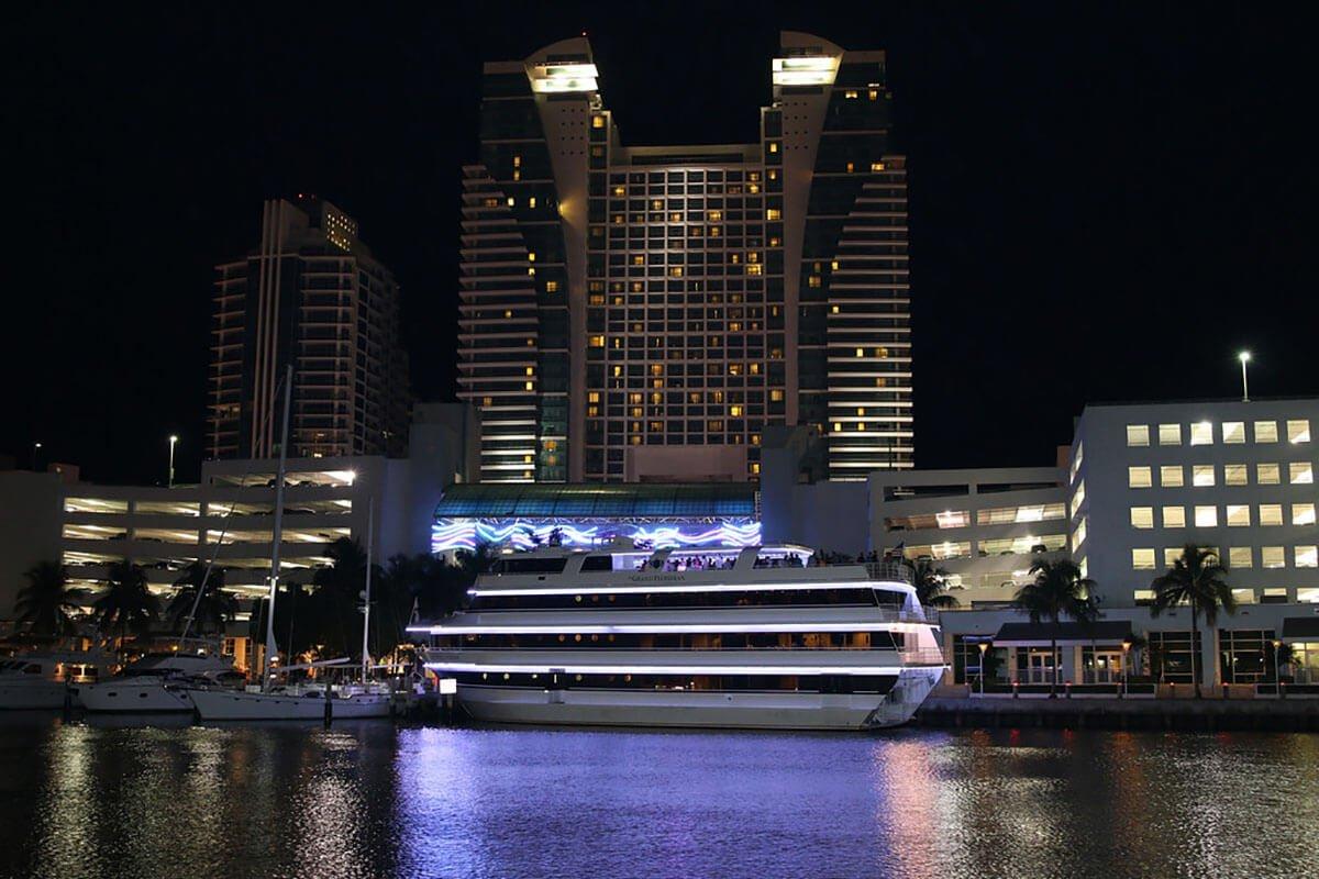 yacht rental near me