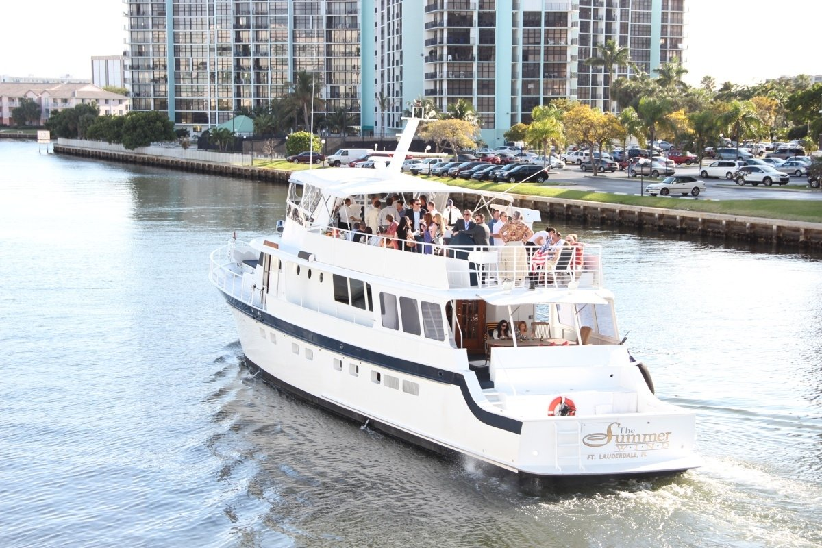 Book A Luxurious Fort Lauderdale Party Yacht Rental Today