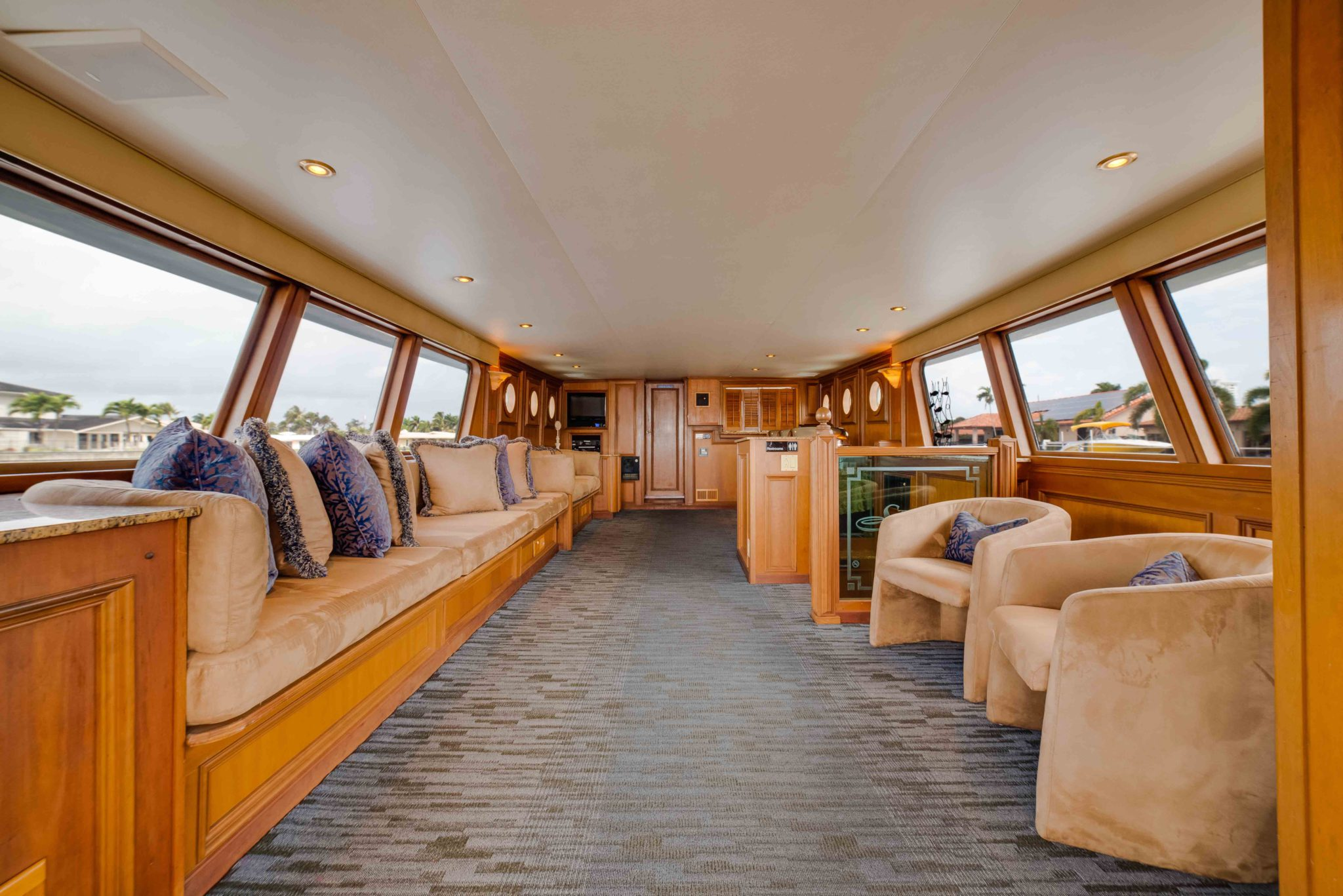 A Luxury Yacht Charter In South Florida Offers Fabulous