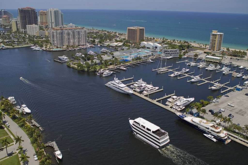 Fort Lauderdale Dinner Cruise for lovely memories 🚢Private Dinner Cruise