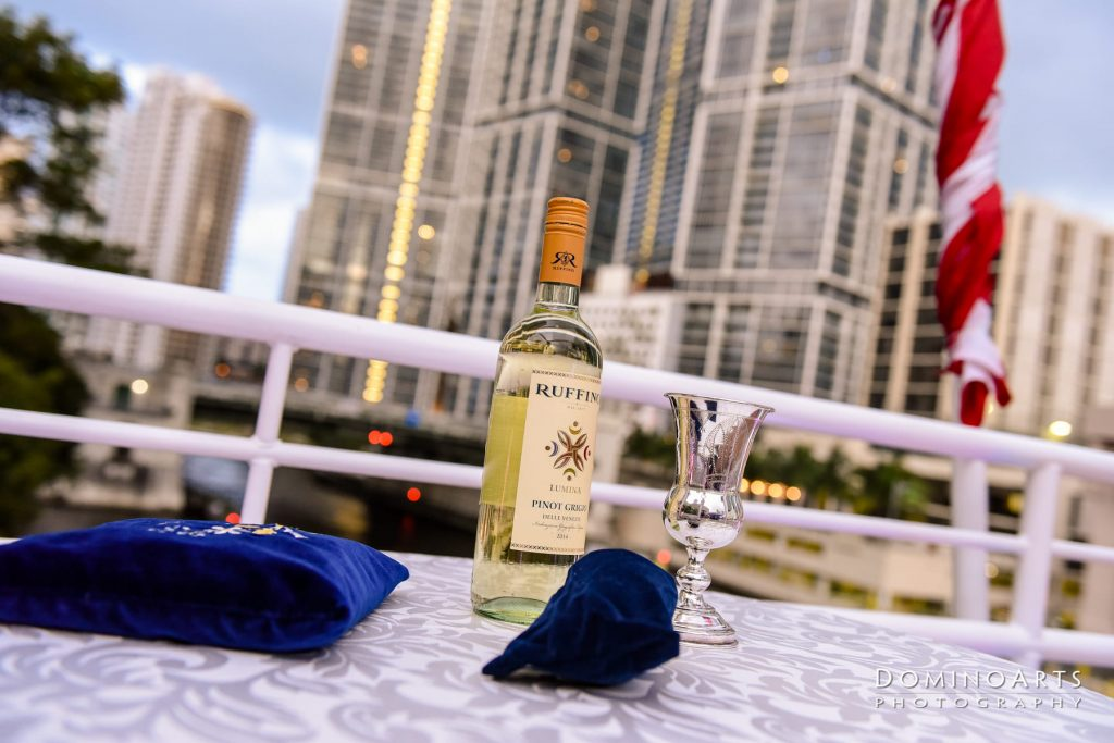 Yacht Dinner Charter. Fort Lauderdale and South Florida Yacht Experience