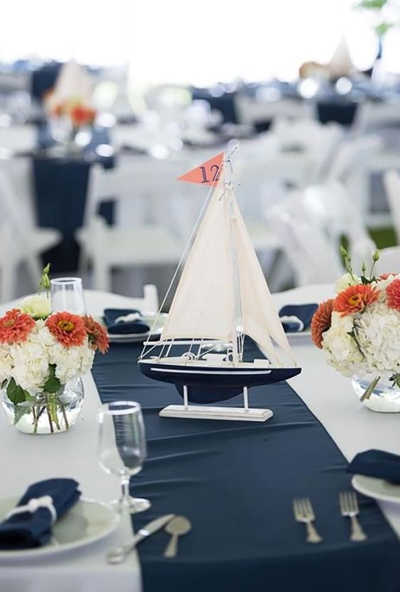 Book the most luxurious and enjoyable Yacht Dinner Cruise