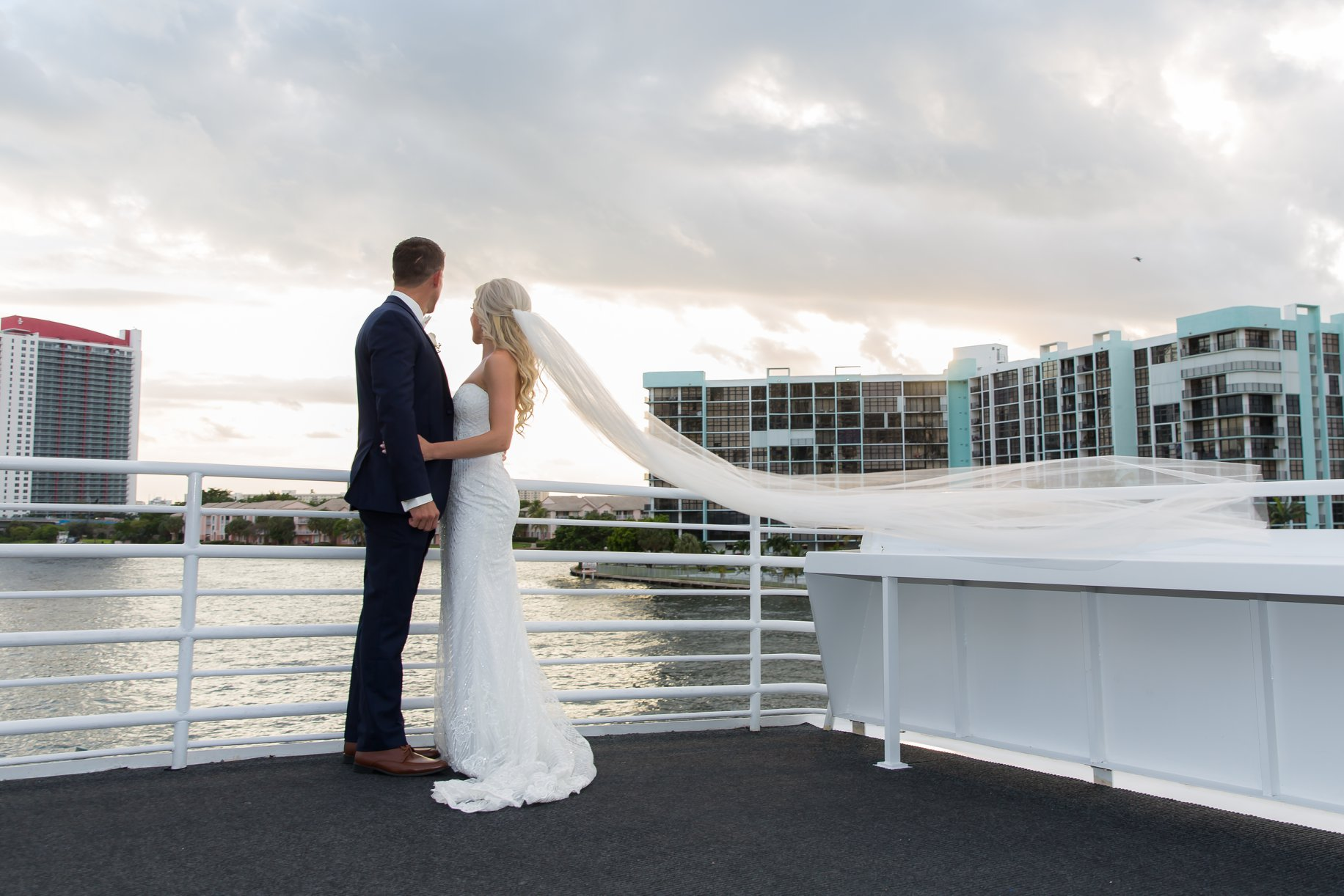 Getting Married on a Miami Yacht Dinner Cruise