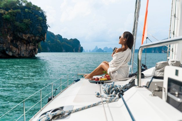 Booking the Best Yacht Charter in Miami