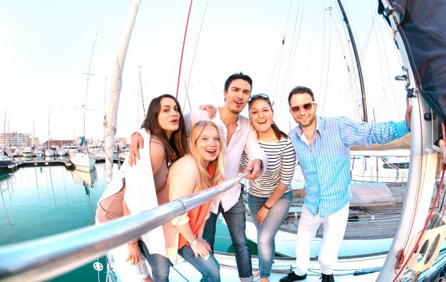 Live the emotion with our Fort Lauderdale Dinner Cruise. 👉 954-771-0102
