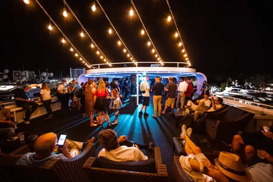 Boat Parties - Benefits of renting a Party Boat